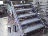 産業機械用昇降階段(幅1m×高さ1.3m)